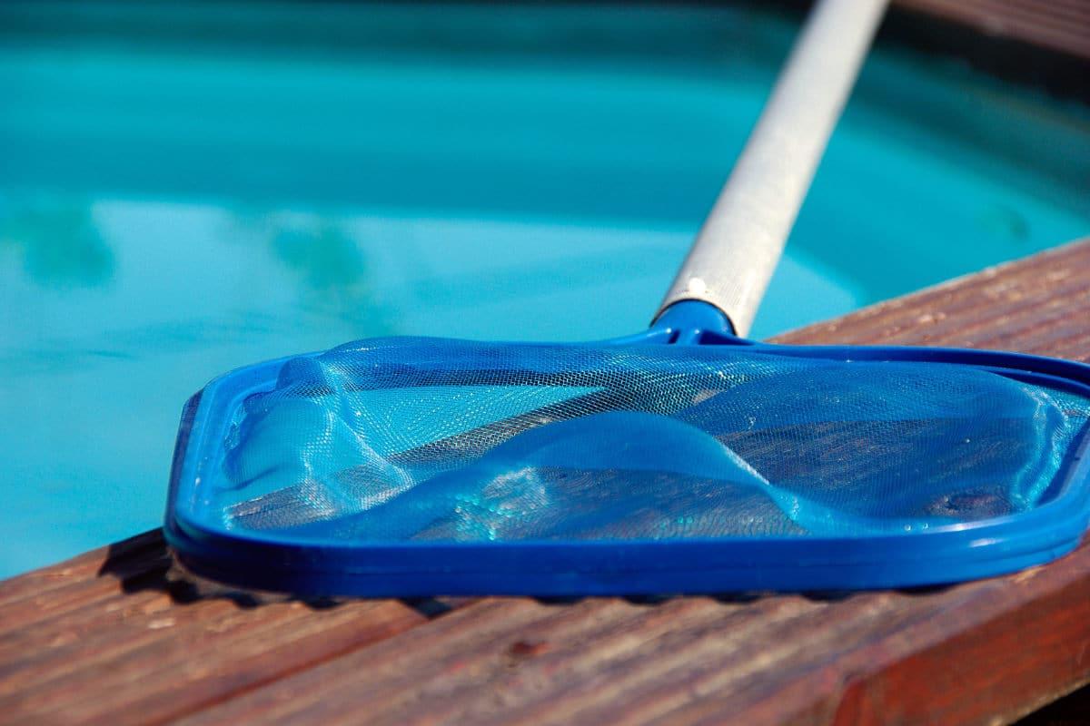 zwembad onderhouden